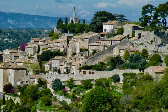 Luberon quaint villages, Gordes, Roussillon