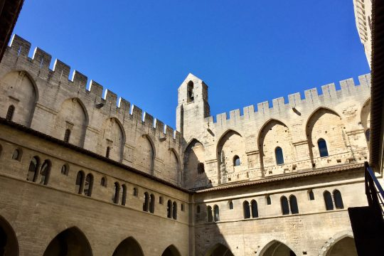 visit palace of the popes avignon